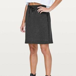 Lululemon start anew skirt in charcoal